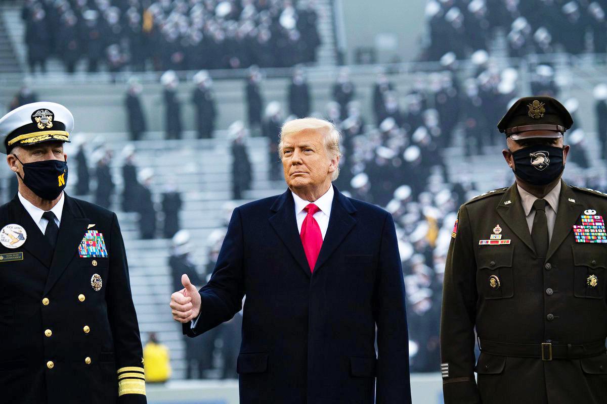 特朗普總統於12月12日下午到西點軍校的體育場觀看一年一度的陸軍海軍足球比賽。(BRENDAN SMIALOWSKI / Getty Image)