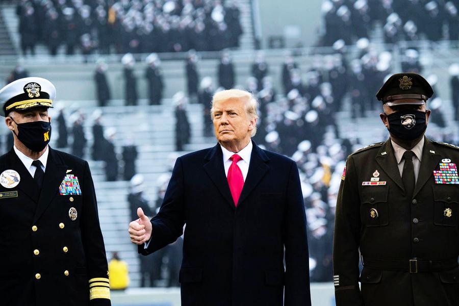 特朗普到西點軍校看比賽 歡迎聲「山呼海嘯」