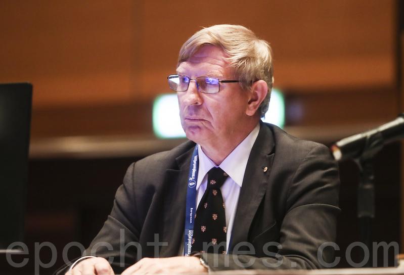 國際組織器官移植協會前主席查普曼(Jeremy Chapman)。(余鋼/大紀元)