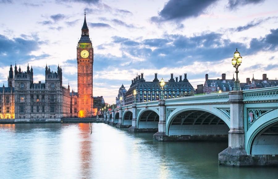 英媒揭中共全面滲透英國  滙豐渣打聘逾600黨員