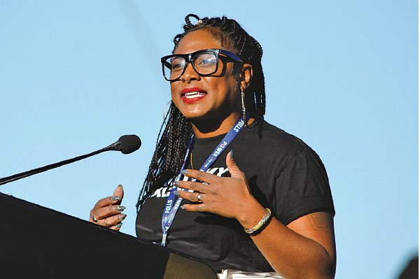 BLM運動創辦人加爾薩掌管一個全球的革命網絡,她創立的主要組織之一,包括「黑人未來實驗室」。(Sam Morris/Getty Images)
