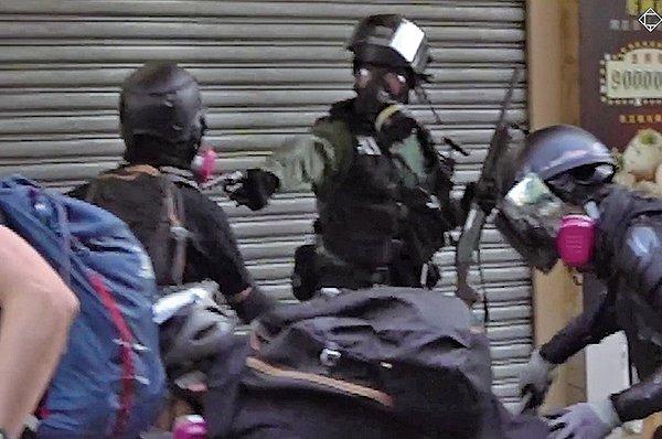 去年10月荃灣警民衝突中,胸中實彈並被控「暴動」的男子曾志健的15歲女友於上周抵達英國倫敦,尋求當局政治庇護,成為香港最年輕的流亡者。(香港大學學生會校園影片截圖)