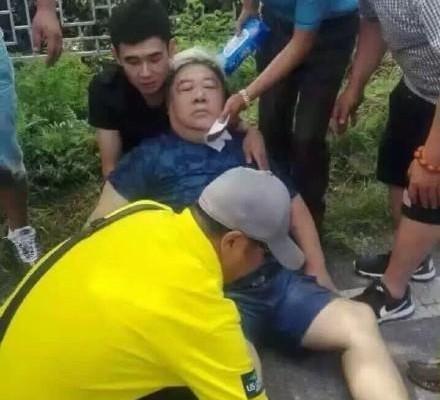 8月20日,演員李琦和劉金山遇車禍,其中劉金山呈現昏迷狀態。(網絡圖片)