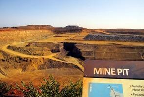 鐵礦石價格飆升 中共強加澳貨關稅自食惡果