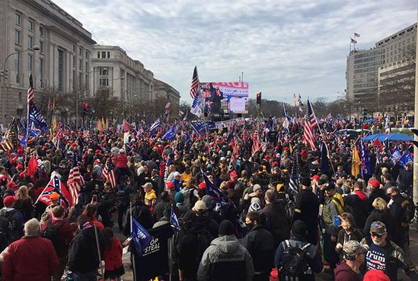 圖為12月12日,美國各州數十萬民眾在華盛頓DC 自由廣場舉行集會遊行活動。(大紀元資料室)