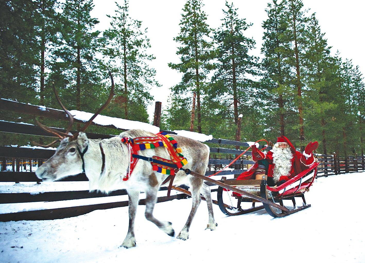 聖誕老人和馴鹿。