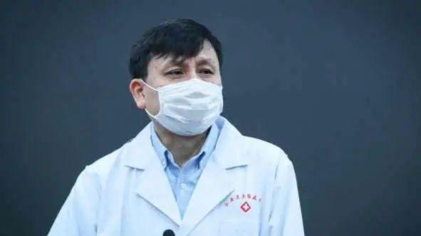 12月22日,華山醫院感染科主任張文宏讓領導幹部先打疫苗的演講影片在網絡上傳開,引發關注。圖為上海華山醫院感染科主任張文宏。(public domain)