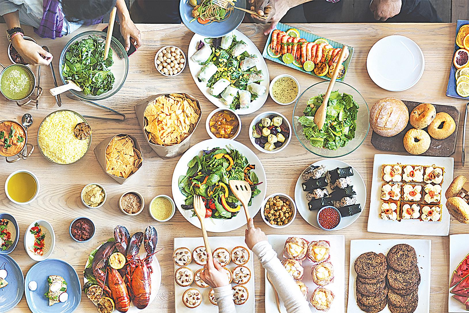人體70%膽固醇會自然生成,其餘30%藉由飲食攝取。(Shutterstock)