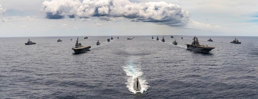 美軍新海洋戰略鎖定中俄 美艦穿台海進南沙