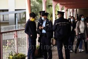 「中學時政」街站反對赤化教育 遭警查抄個人資料
