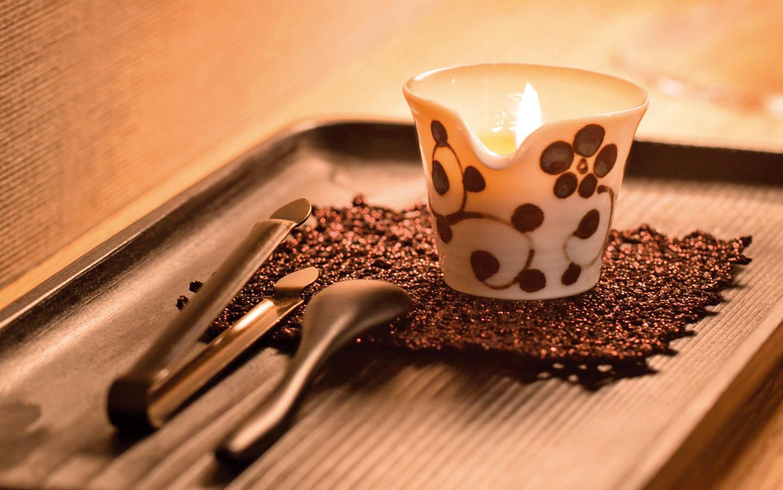 護膚蠟燭兼具保養功能,適合在冬天使用。
