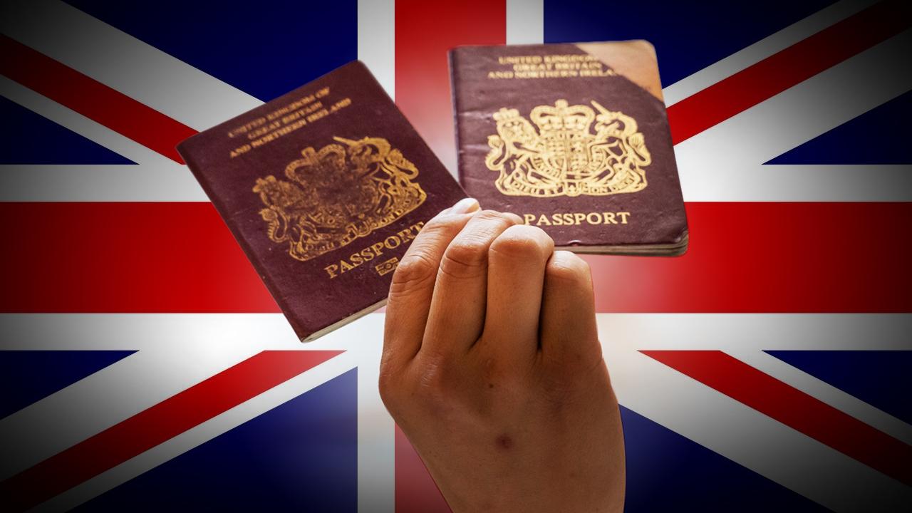 香港自反送中運動到北京強推港版國安法,許多國家推出移民或難民政策,為港人拋出「救生圈」。圖為英國國民(海外)護照(BNO)示意圖。(大紀元合成圖片)
