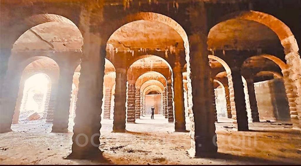 深水埗主教山配水庫下的建築是戰前興建的巨型圓拱門羅馬式蓄水池。圖為該蓄水池。(深水埗居民May姐提供)