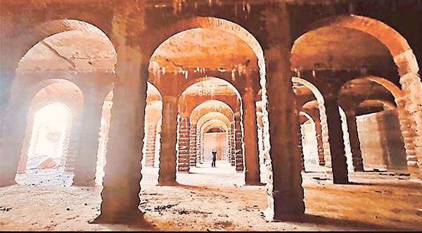 主教山配水庫下的建築是戰前興建的巨型圓拱門羅馬式蓄水池。(讀者May提供)