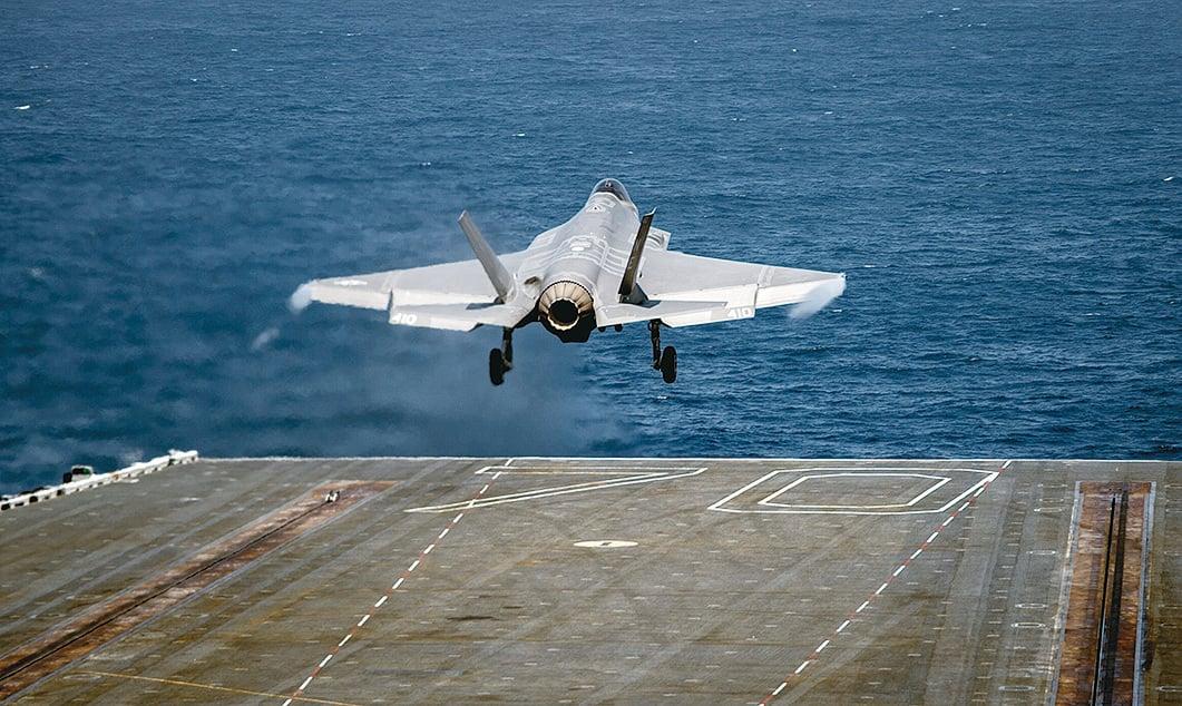 2020年9月15日,一架F-35C閃電II從卡爾文森號航母(CVN 70)上起飛。(美國海軍)