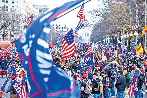 12月12日,數以十萬計的民眾聚集美國首都華盛頓,支持特朗普總統,要求制止竊選。(Getty Images)