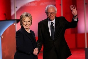 桑德斯將重返大選:助希拉莉擊敗特朗普