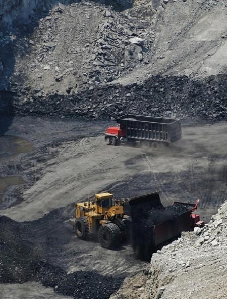 2021年新年期間,大陸正值近四年來首個橙色預警寒潮,各地取暖及發電用煤量大增,但中國缺煤情況仍然十分嚴峻。圖為:大陸煤礦採礦一景。(Getty Images)
