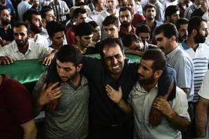 血洗土耳其婚禮54死 自殺炸彈客竟是孩童?