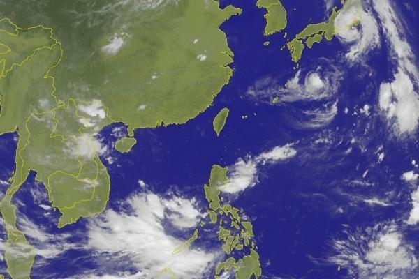 今年第11號颱風圓規已經在8月22日凌晨2時減弱為溫帶氣旋,但西北太平洋上仍有2個颱風,分別是今年第9號颱風蒲公英和第10號颱風獅子山。(中央氣象局網站 cwb.gov.tw)