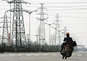 專家分析中國發達地區限電