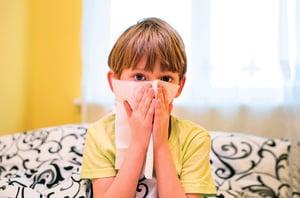 長期鼻塞未注意 竟造成眼窩蜂窩性組織炎