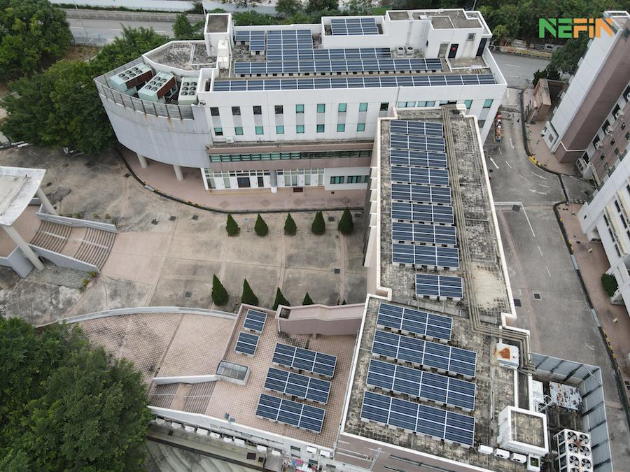 浸會神學院近日安裝了四組綜合太陽能光伏系統,分佈於校園內的六個天台。(NEFIN 提供)