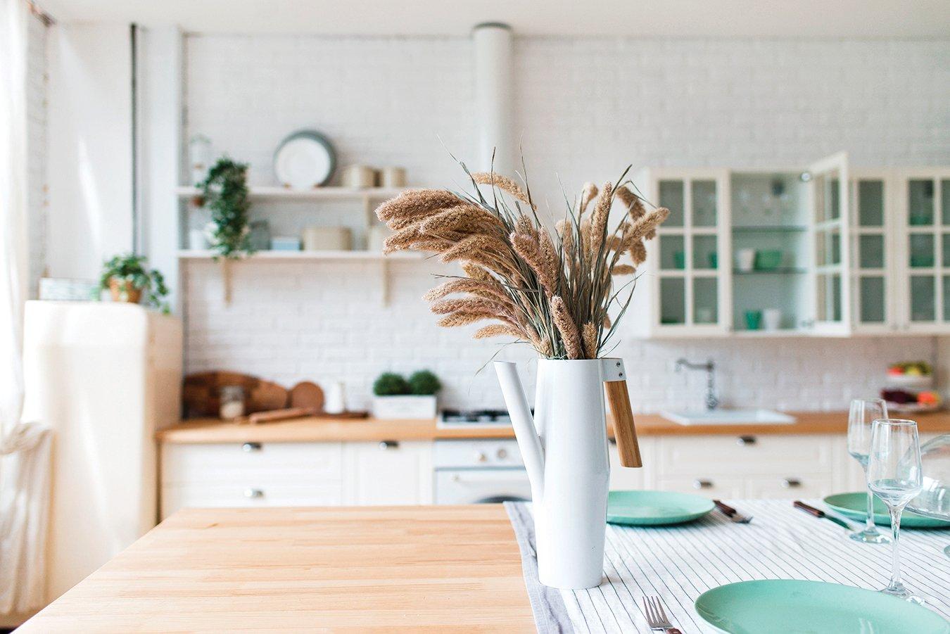 房間擺上含有精油的乾燥花,能保持屋內的芬芳。(Shutterstock)