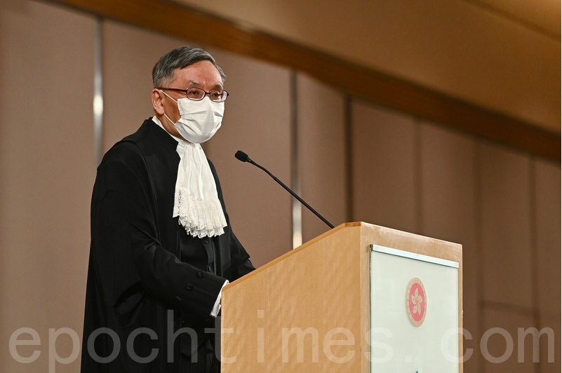 終審法院首席法官張舉能在1月11日上任首日會見傳媒。(宋碧龍/大紀元)