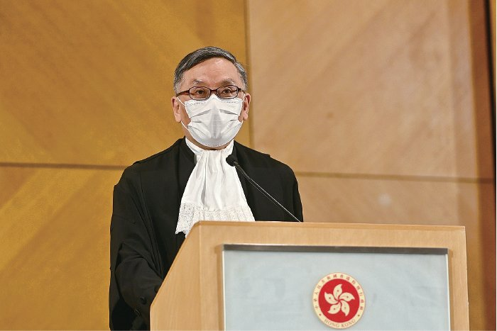 終審法院首席法官張舉能昨日上任,強調要維護法治,法官斷案必須客觀專業,不受政治觀點左右。(宋碧龍/大紀元)