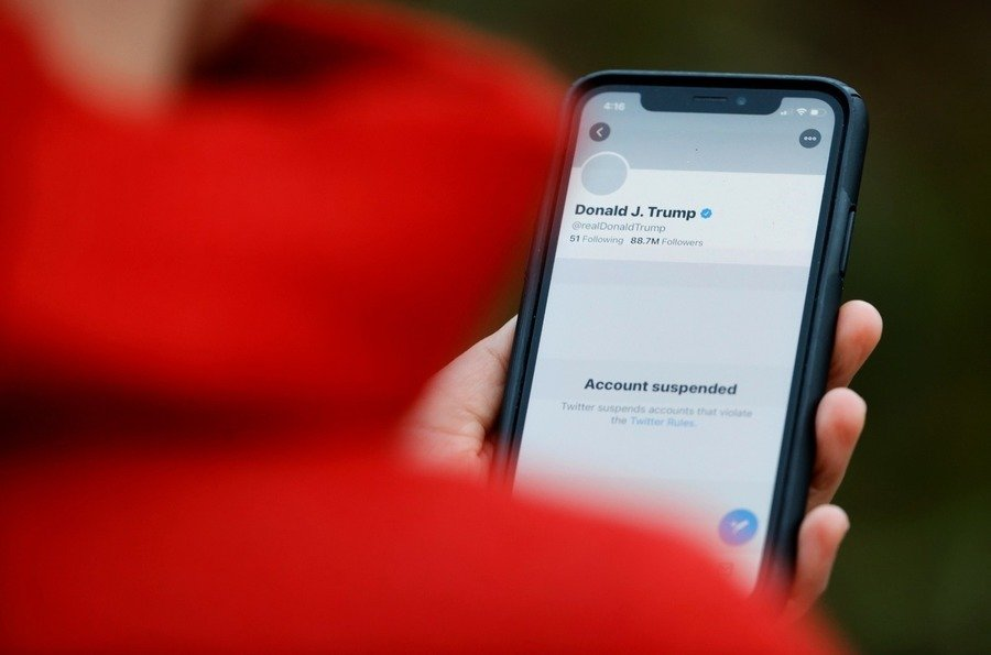 推特封總統帳號惹非議 股價挫逾6%