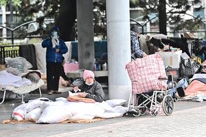 疫情下香港露宿者急升  團體憂慮趨年輕化