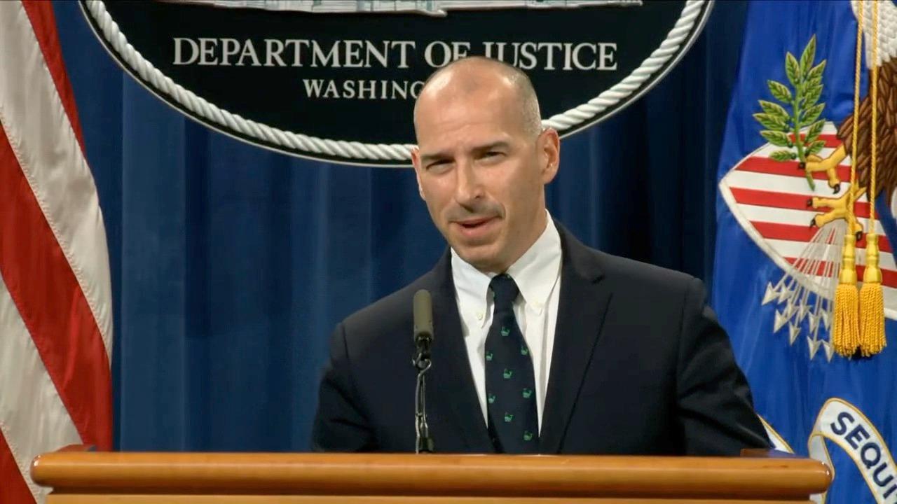 華盛頓特區代理檢查官邁克爾・舍溫(Michael Sherwin)表示,對國會大廈暴力事件的檢控將集中在三方面:煽動叛亂和陰謀(sedition and conspiracy)、對警務人員的攻擊和對媒體記者的攻擊。(影片截圖)