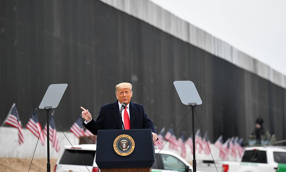 12日下午,美國總統特朗普視察德州邊境美墨圍牆並發表講話。(MANDEL NGAN/AFP via Getty Images)