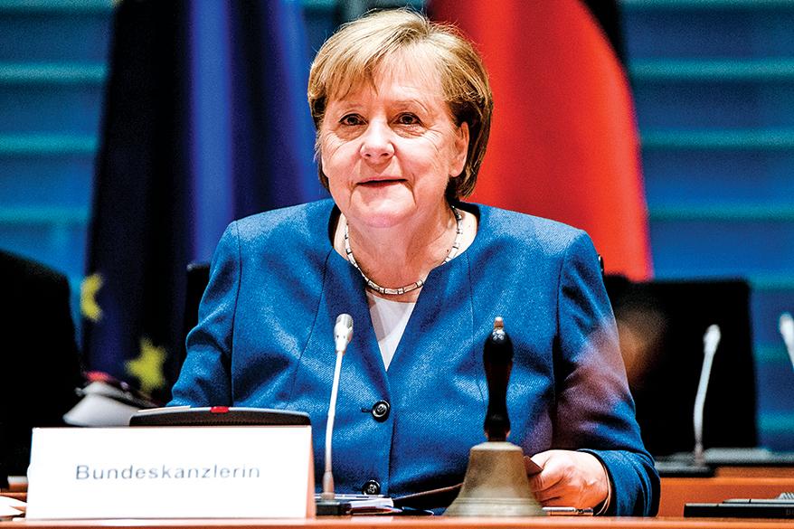 德國總理默克爾(上)墨西哥總統奧布拉多都對科技巨頭的禁言行動進行批評。(Getty Images)