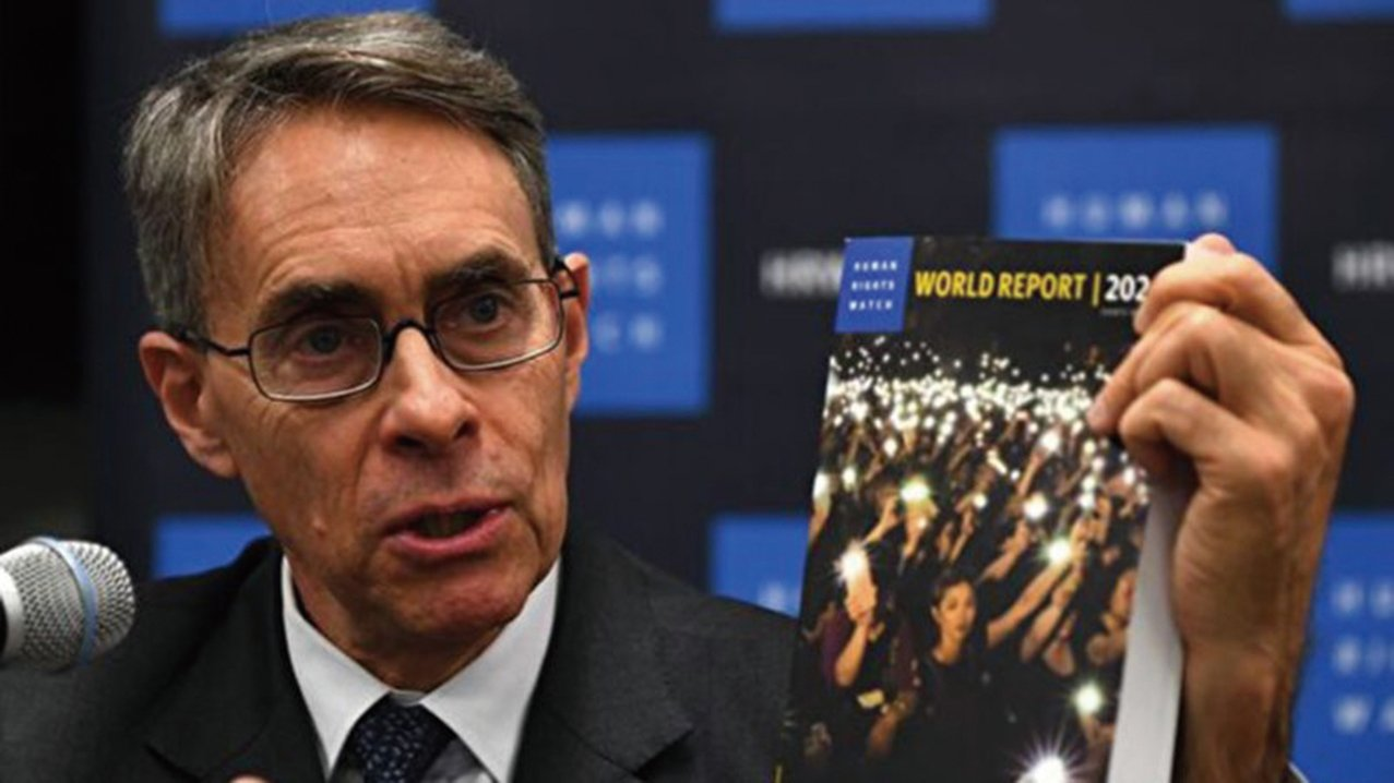 為人權觀察執行總裁肯尼斯-羅斯(Kenneth Roth)在2020年1月14日的新聞發佈會上。(JOHANNES EISELE/AFP via Getty Images)