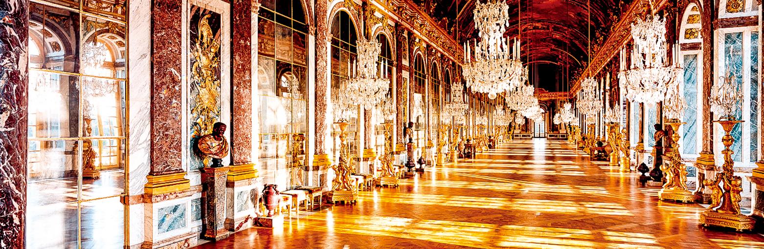 凡爾賽宮的內部裝潢以巴洛克風格為主,少數廳堂是巴洛克的變體洛可可(Rococo)風格。(Shutterstock)