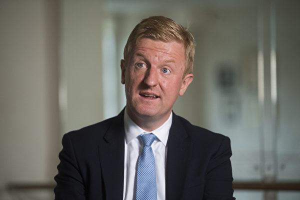 英國文化大臣奧利弗‧杜永敦(Oliver Dowden)。圖為道登2020年10月在倫敦。(KIRSTY O'CONNOR/POOL/AFP via Getty Images)