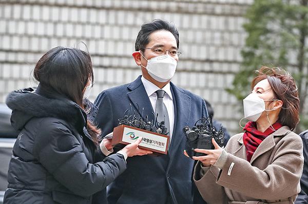 李在鎔2021年1月18日到達首爾中央地方法院。(Getty Images)
