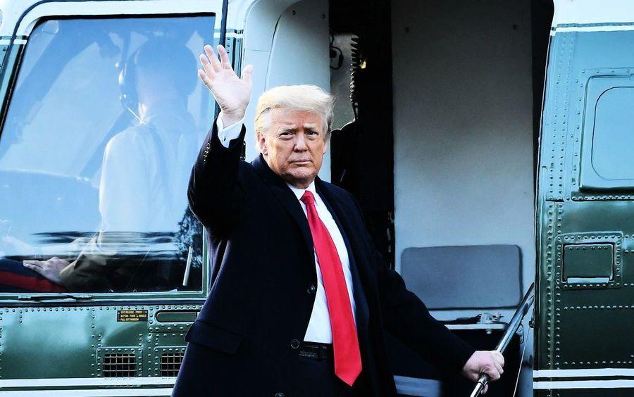 【圖片新聞】特朗普卸任 與夫人乘海軍陸戰隊一號離開白宮