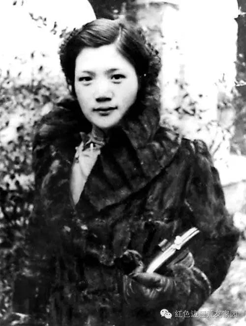 文革中,毛澤東首批接見的紅衛兵、美女傅索安,後叛逃蘇聯成了克格勃女特工,並親自參與「913事件」對林彪屍體的辨認工作。(網絡圖片)