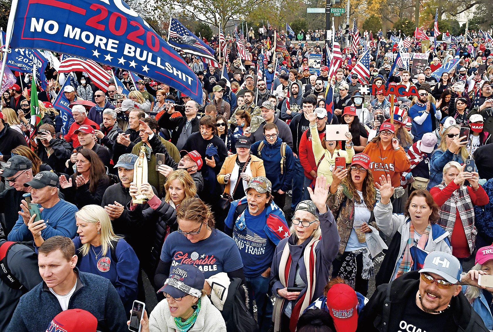 12月12日,數十萬特朗普支持者在華盛頓特區舉行「制止竊選」集會和遊行。 (AFP via Getty Images)