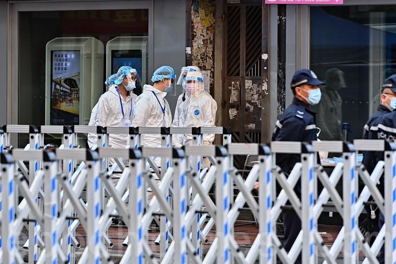 2021年1月24日,香港疫情反覆,政府於周六(23日)凌晨封鎖佐敦部分區域,並推強制檢測,民政事務局表示,有望明天解封。(宋碧龍/大紀元)