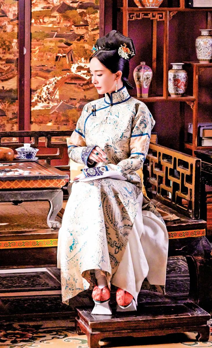 旗袍,從清朝的旗裝一脈相承而來,在民國時期達到鼎盛。