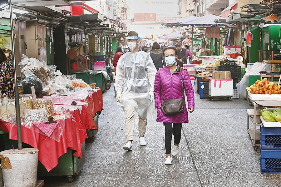 平日繁忙擠擁的佐敦區內街市,解封後異常冷清。(宋碧龍/大紀元)