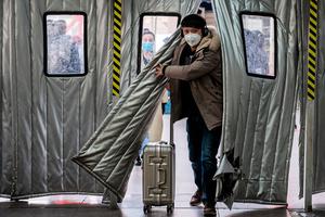 嚴苛防疫返鄉受阻 撕裂華人新年