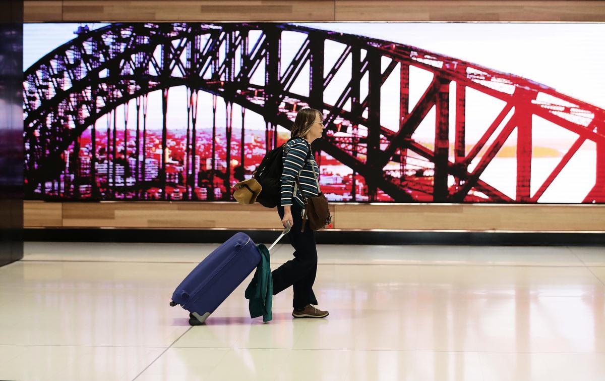 昨日(1月25日)全球逾1億人確診武漢肺炎,旅遊股一年來受盡煎熬。圖為悉尼機場。(Mark Metcalfe/Getty Images)