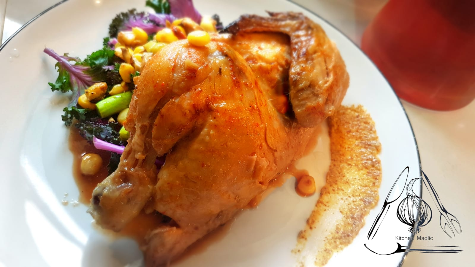 煙燻甜椒烤法國春雞。(Kitchen Madlic提供)