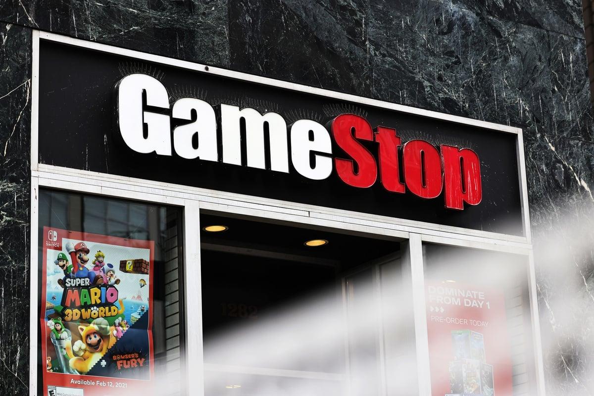 GameStop股價飆升,淡倉被挾,「散戶屠鱷」事件掀起廣泛討論。(Michael M. Santiago/Getty Images)