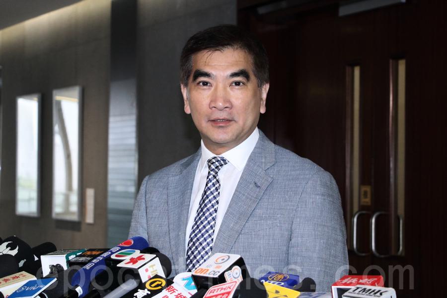 港府兩億購劣質口罩 鍾國斌:官員扮專家浪費公幣